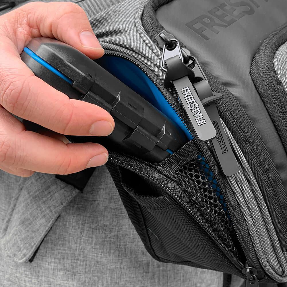 Shoulder Bag V2 - Key Features - Side Pocket