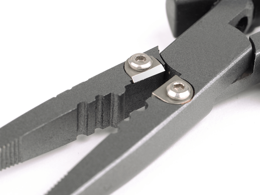 Closer look on the Freestyle Recon Pliers