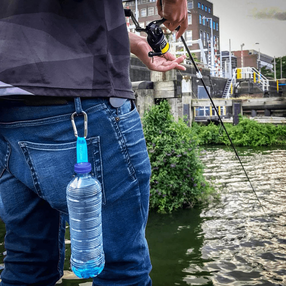 Der SPRO Freestyle Hydrate Bottle Clip