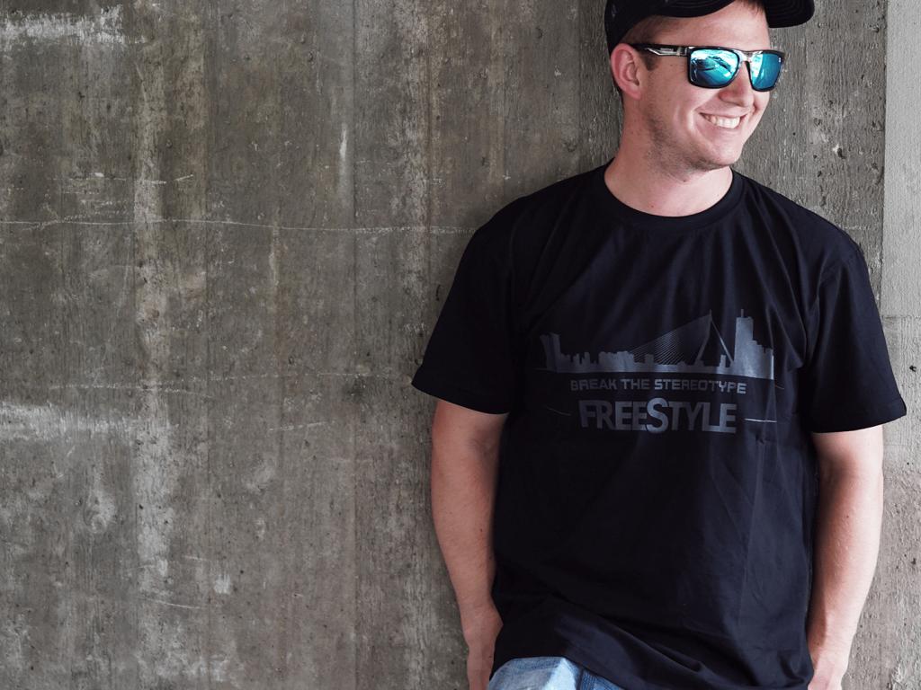 City T-Shirts - Freestyle 01