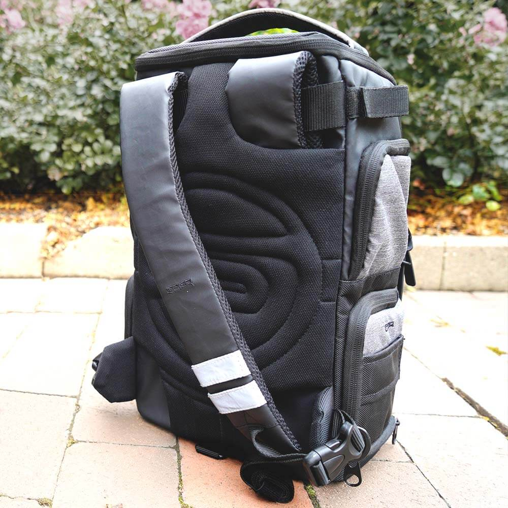Key_Features_Backpack_25_04
